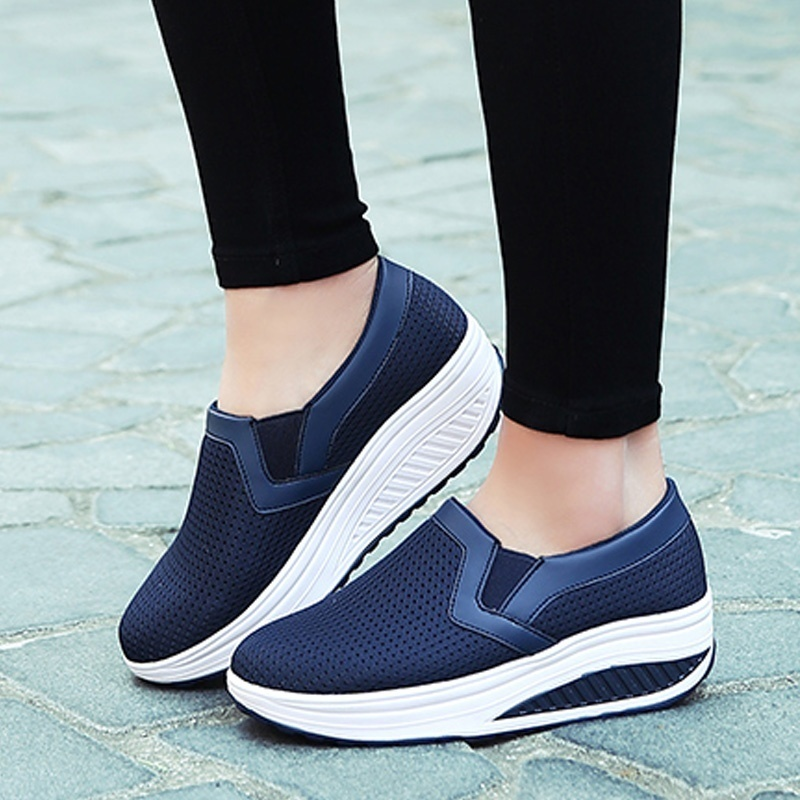 Plus Size Womens Shoes Flats Spring Summer 2019 Fashion Mesh Breatable Sneakers Sport Shoes Woman Casual Slip-On Mother ShoesPlus Size Womens Shoes Flats Spring Summer 2019 Fashion Mesh Breatable Sneakers Sport Shoes Woman Casual Slip-On Mother Shoes