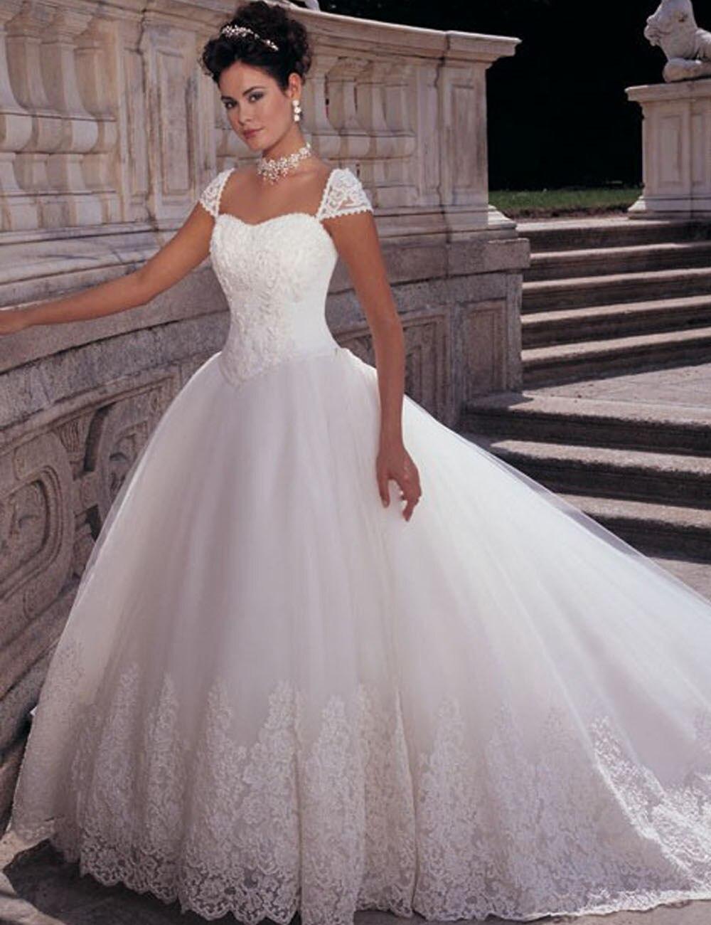 Fairytale Princess Wedding Dresses Vernassa Cap Sleeve Beaded Appliqued Lace Puffy vestido de noiva casamento robe de mariage