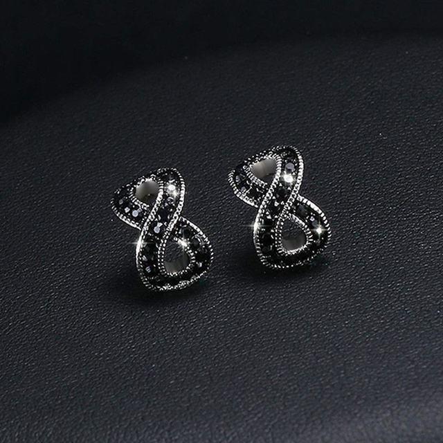 Infinity sort krystal øreringe