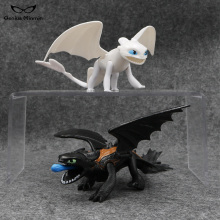 цена 23cm X 23cm X 7cm How to Train Your Dragon Teeth White Dragon Black Dragon Doll Boy PVC Anime Toy Model Free shipping онлайн в 2017 году