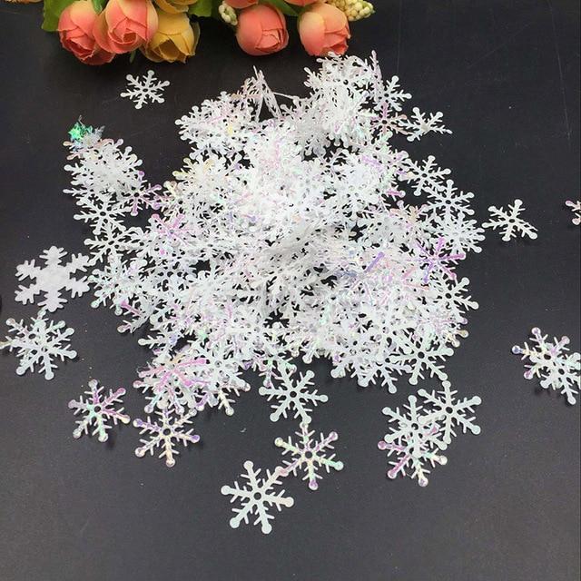 200Pcs 3Cm Snowflakes For Home Christmas Tree Hanger Christmas Decorations White Plastic Artificial Snow Decorations