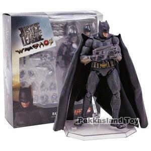 Image 5 - Mafex No. 056 DC Comics Лига Справедливости Бэтмен ПВХ экшн фигурка Коллекционная модель игрушка