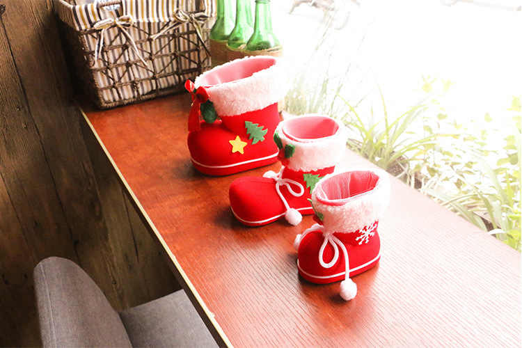 3 piezas incluyen bolsa de dulces rojos grandes decoraciones de Navidad botas de flocado calcetines caja de regalo creativa de caramelo decorativo para el hogar