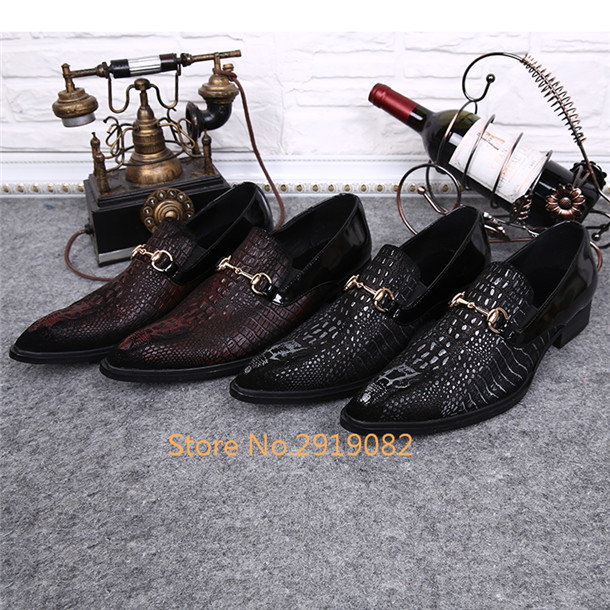 2017 Crocodile Fur Pattern Men Flats Metal Buckle Slip-On Casual Shoes Pointed Toe Red Dark Brown Available Men Shoes PartyStage