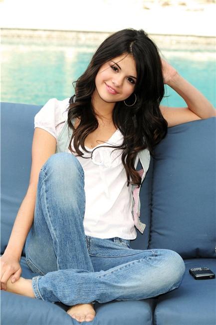 Selena Gomez Actor & singer photos silk fabric print pictures ...