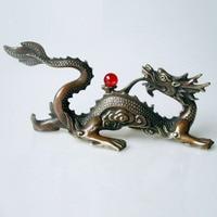 Ozdoby dla domu + home Decoration chiński stary miedź rzeźbione smok z czerwony jade koralik statua/chiński smok rzeźby w Posągi i rzeźby od Dom i ogród na
