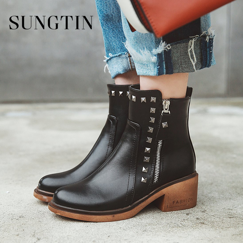 Sungtin Fashion Rivet Mid Heel Women Ankle Boots Classic Black Short Riding Boots Pu Plus Size Autumn Boots Ladies Booties Shoes