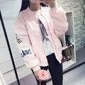 Caliente! 2016 Nueva Moda de Primavera y Otoño de Color Rosa estilo Bomber Jacket Women Letras Bordado Flojo Ocasional Verde negro Chaquetas