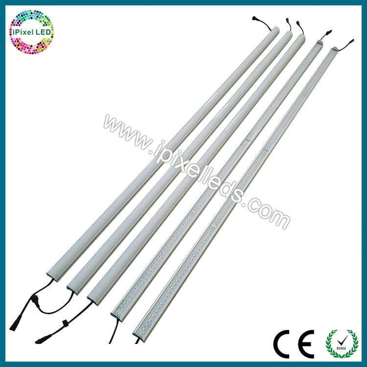 Le tube mené vertical adressable de 2 M DC5V WS2812b rvb dmx a mené la lumière de tube
