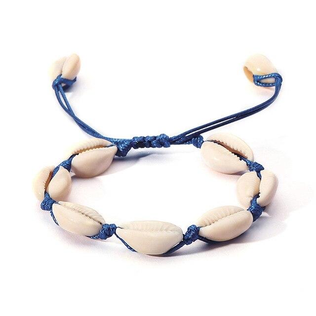 Фото женский плетеный браслет из ракушек и натуральной ракушки