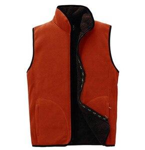 Image 4 - 2018 ใหม่ผู้ชาย Warm Fleece Vest ฤดูหนาวหนา 2 ด้านสวมใส่สบายๆเสื้อกั๊ก Windproof เสื้อแขนกุด
