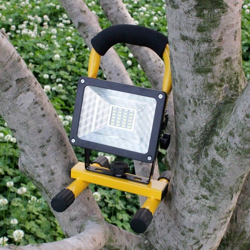 YUPARD SMD LED oversvømmelseslys Søglight Spotlight udendørs camping fiskelampe + 3 * 4200mAh 18650 genopladeligt batteri + oplader