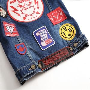 Image 4 - Hip Hop Mens Giubbotti e Cappotti Vintage Distintivo Toppe E Stemmi Dipinto di Blu Giacca di Jeans Alla Moda Rappezzatura Sottile A Maniche Lunghe Cappotti DS50550