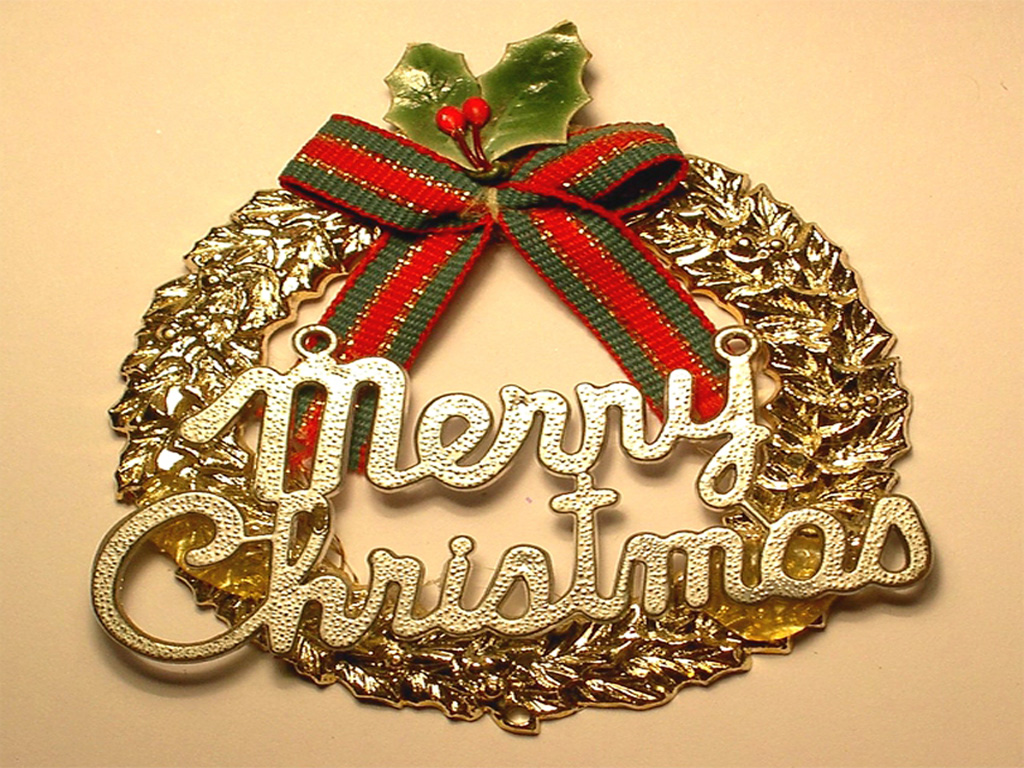 Luxury Vintage Christmas Wall Decor Vignette - Wall Art Collections ...
