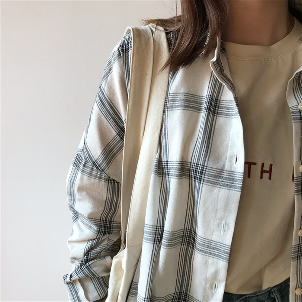 Big Loose women plaid blouses shirts 2018 Women Office Air Conditioner Blouse Shirt Female Outerwear Casual Pocket Shirts (24)