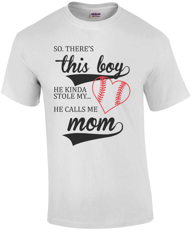 Так. Там этот мальчик. Он любопытное украл мое сердце. Он называет меня мамой Милая футболка с принтами футболки короткий рукав Hipster Модные т...