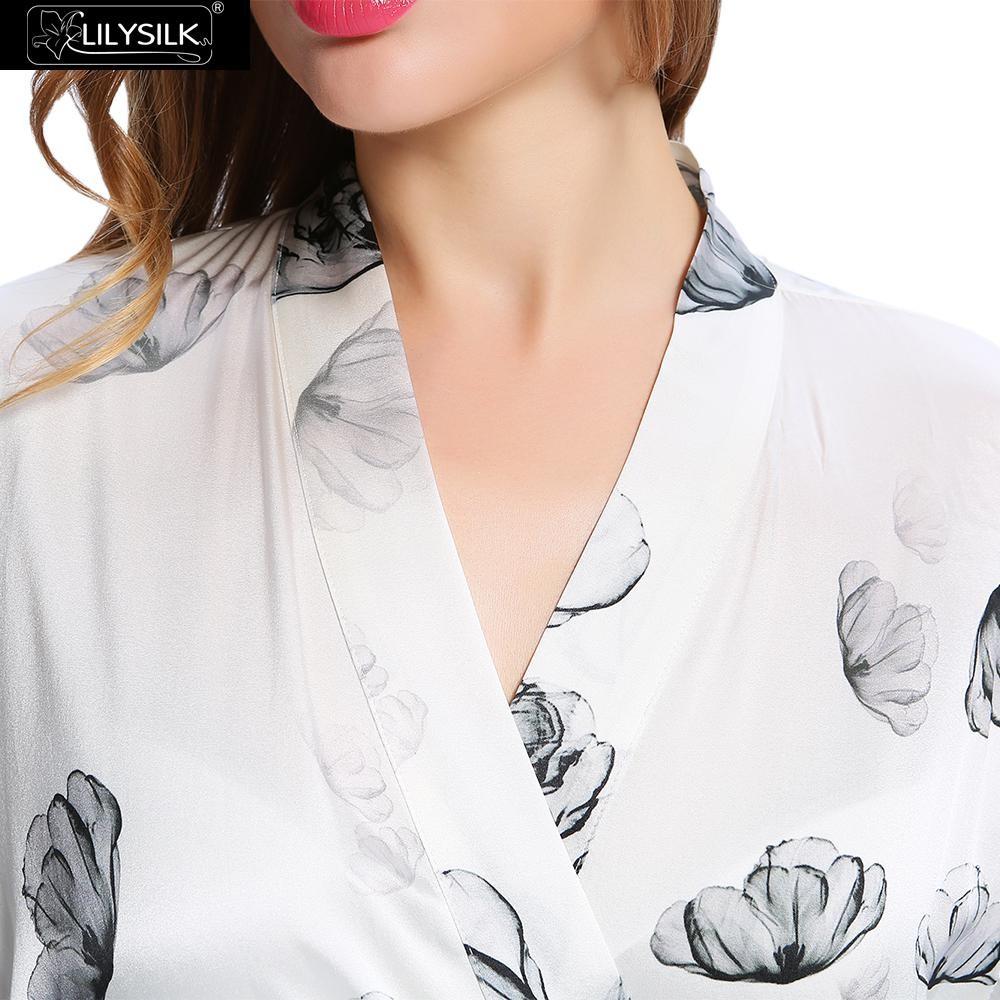 1000-lotus-white-full-length-silk-robe-with-lotus-pattern-02