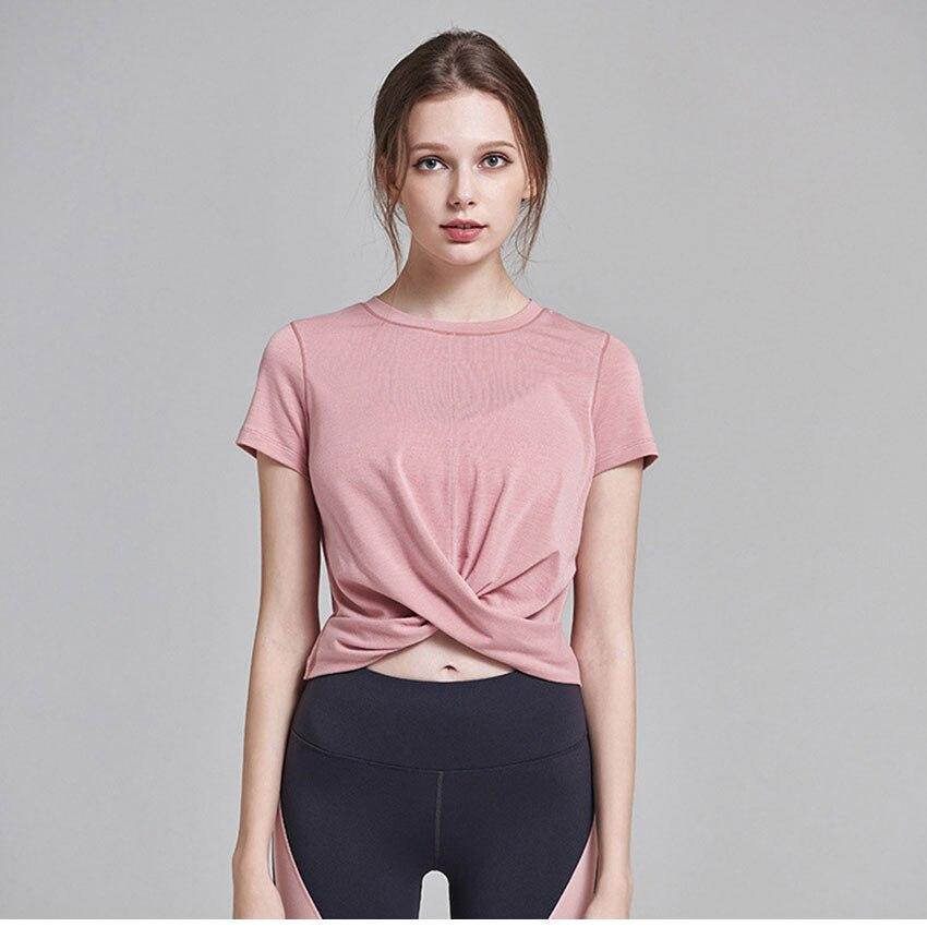 Camiseta esportiva de manga curta com frente,