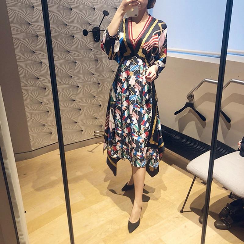 2019 New Dress with Irregular Hem Floral V neck and Loose Waist Jumper