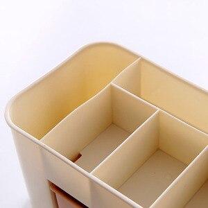 Image 5 - 1 sztuk organizator na przybory do makijażu przenośne z tworzywa sztucznego 6 w kratkę do przechowywania pudełko etui na szminki Organizador stojak wystawowy na lakier do paznokci 2019 Hot