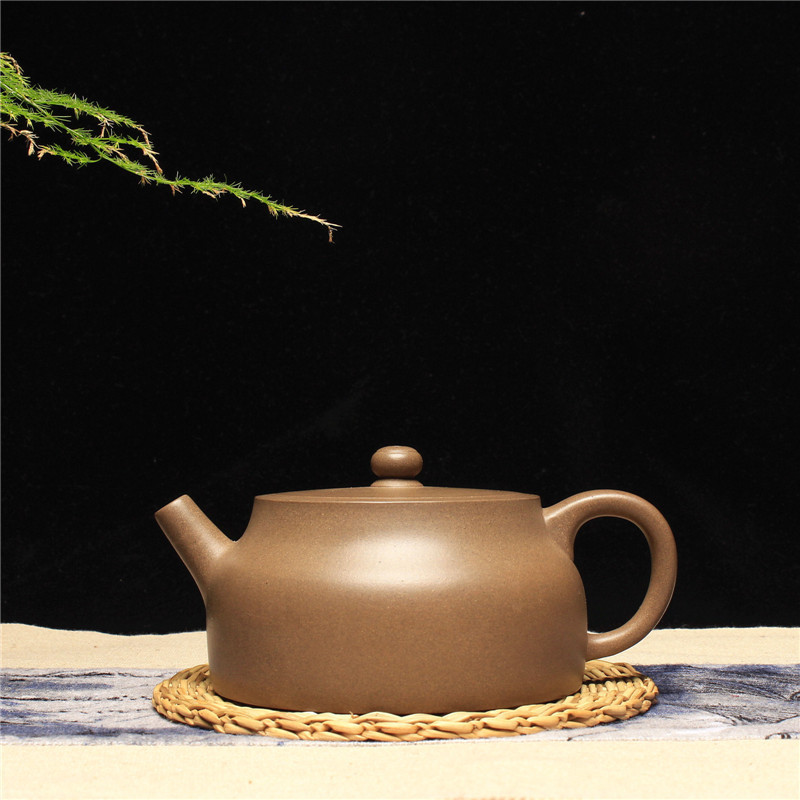 Yixing Famous Dark-red Enameled Pottery Teapot Raw Ore Section Mud Wenyu Purple Sand Teapot Full Manual TeapotYixing Famous Dark-red Enameled Pottery Teapot Raw Ore Section Mud Wenyu Purple Sand Teapot Full Manual Teapot
