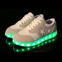 New LED Couple Skateboarding Shoes Lacing Breathable Star Pattern USB Recharged Light Shoes Unisex Sneakers