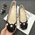 Nova moda tamanho grande sólida e gracioso pérola das mulheres da estrela de Hollywood dedo do pé redondo de salto baixo de couro genuíno Handmade mulheres causal sapato 28