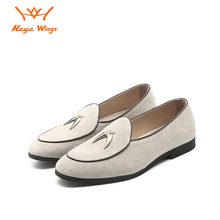 купить Heye Wings suede leather men casual shoes loafers fashion tassel design Solid color simple and generous office daily dress shoes по цене 2135.65 рублей