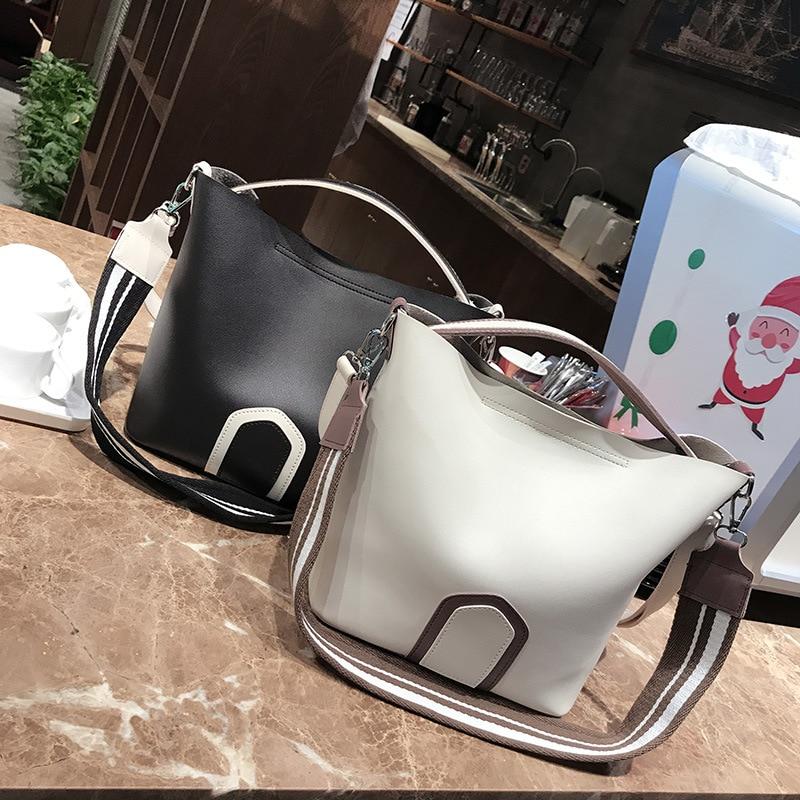Large Capacity Female Handbags Women PU Bucket Shoulder Tote Bags Coloured Wide Strap Ribbon Leather Messenger BagLarge Capacity Female Handbags Women PU Bucket Shoulder Tote Bags Coloured Wide Strap Ribbon Leather Messenger Bag