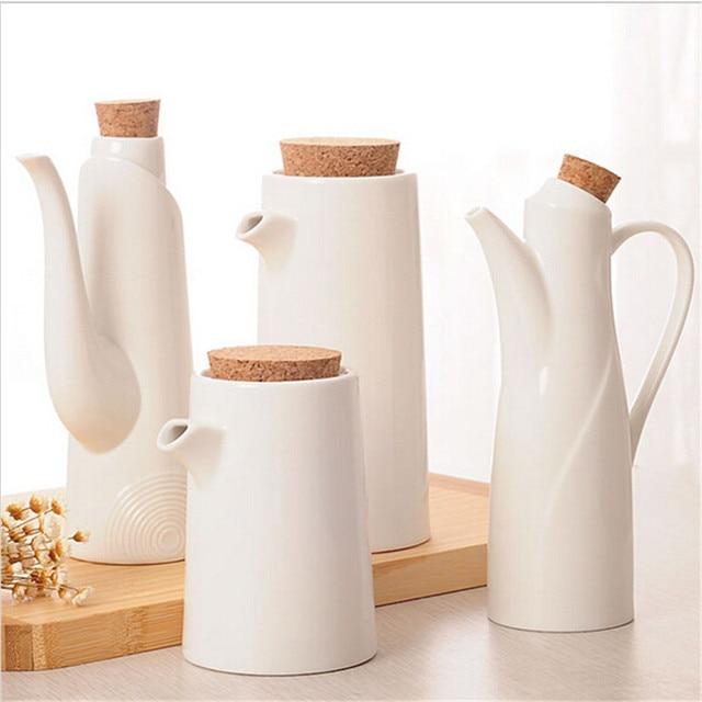 Bottiglia di condimento cucina semplice bianco salsa vaso di ...