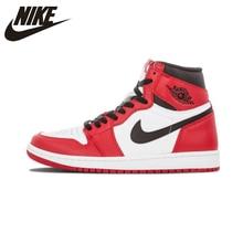NIKE AIR JORDAN 1 RETRO TINGGI And Chicago Bernapas Pria Basket Sepatu  Olahraga Sepatu Kets Pelatih 575441-101 6c51d769e4