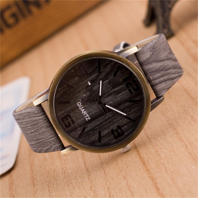 e912fd430e4b Simulación de madera Relojes Relogio masculino Saat cuarzo hombres Relojes  de Cuero de cuero de la correa reloj de madera hombre