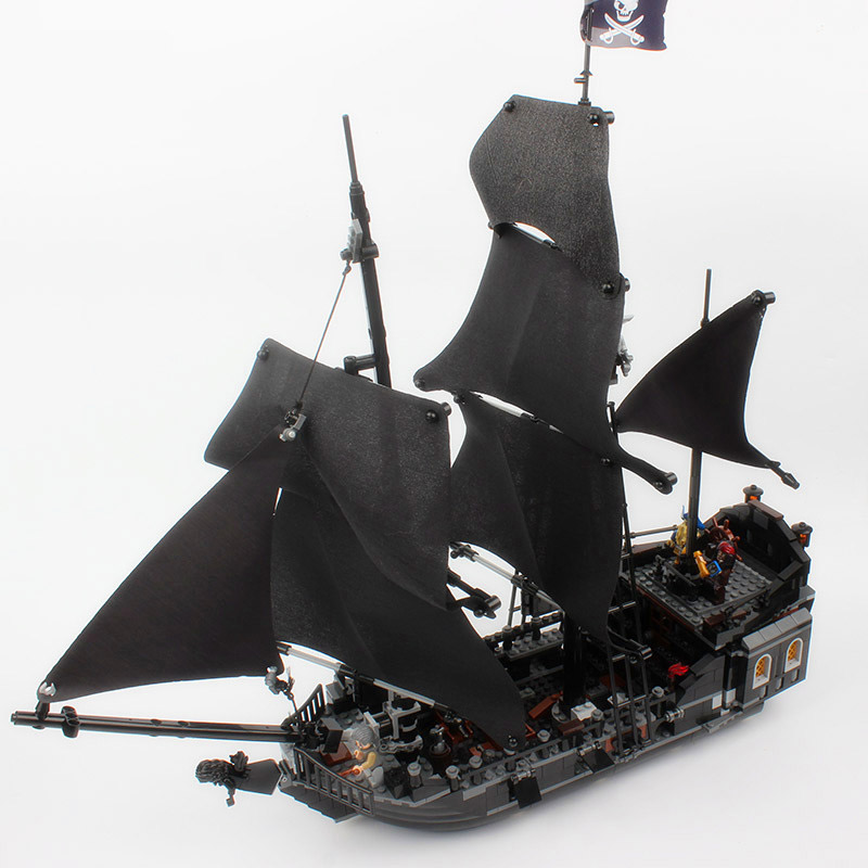 16006 Pirates of the Caribbean Movie The Black Pearl 804pcs Building Block Toys Gift For Children Pirates Caribbean black pearl building blocks kaizi ky87010 pirates of the caribbean ship self locking bricks assembling toys 1184pcs set gift