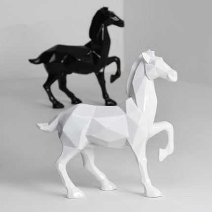 Personality art black and white geometric lucky horse figure ornaments handicraft animal sculpture modern home decorsPersonality art black and white geometric lucky horse figure ornaments handicraft animal sculpture modern home decors