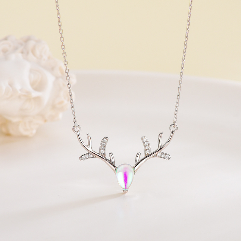 Fashion Moonstone Deer Horn Pendant Necklaces Clavicle Chain