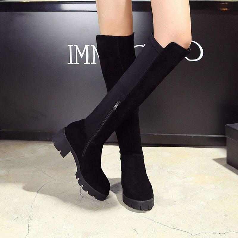 Женские зимние матовые высокие сапоги из лицевой кожи в рыцарском стиле удобные черные высокие эластичные сапоги на низком каблуке и платформе Femsle