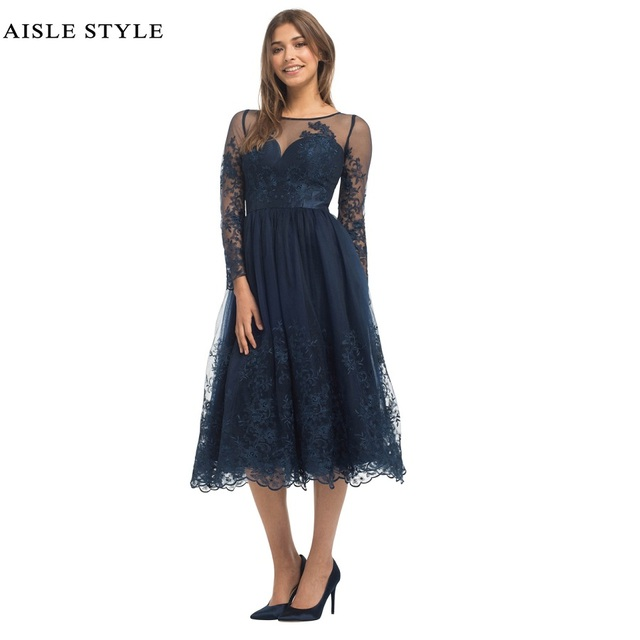 Best Navy Blue Vintage Lace Bridesmaid Dresses Tea Length Illusion Neck Short Modern Dress With
