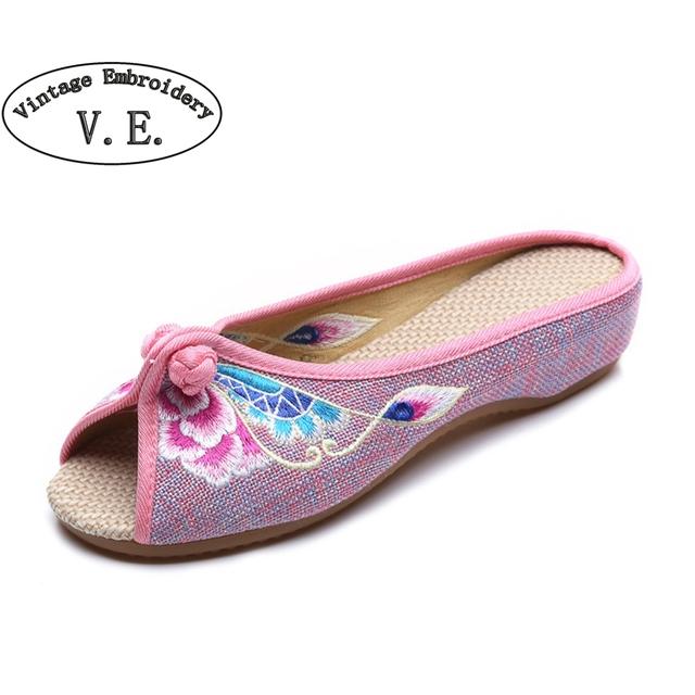 Sapatos Bordados do vintage 2017 verão nova roupa de chassis bordado Chinês Old BeiJing flores sandálias chinelos tamanho 35-41