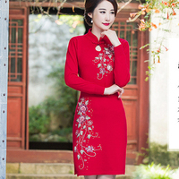 New Women Red Embroidery Flower Woolen Cheongsam Mini Sexy Chinese Style Bride Bridesmaid Dress Novelty Winter Thick Qipao