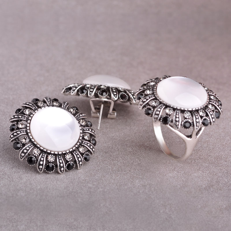 Vintage White Opal Women Jewelry Sets Antique Silver Plated Black Crystal Wide Rings Round Stud Earring Retro Flower Jewelry set все цены