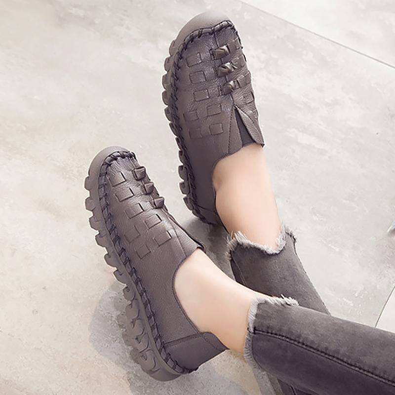 Shoes woman 2018 fashion round toe casual slip-on shoes for women loafers Weave breathable flats genuine leather shoes vintage women flats chinese fashion beads embroidered casual canvas shoes slip on shoes for woman white shoes
