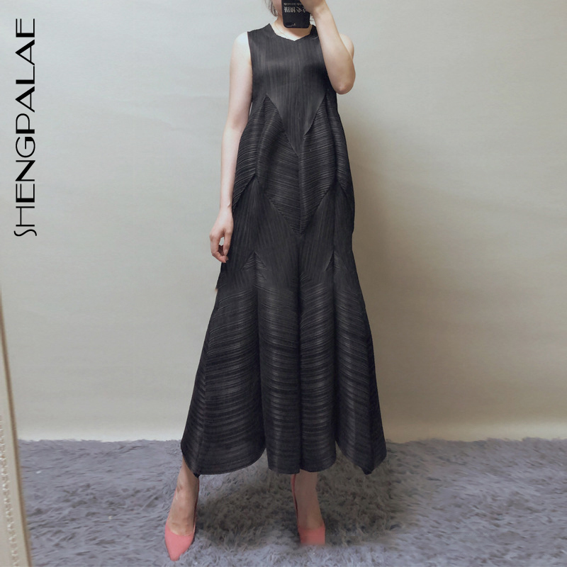 SHENGPALAE 2019 Fold Summer Sleeveless Vestidos Round Collar Solid Black Large Hem Vintage Fashion Women Loose
