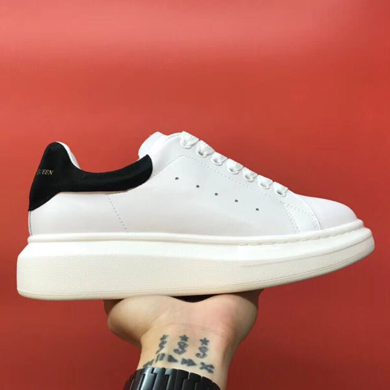 linxi Store Skateboarding Shoes Sneakers Man Women Cool Light Weight Outdoor Breathable Laces For Footwear Shoes McQueen