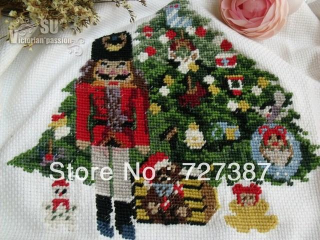 CHRISTMAS HEIRLOOM Needlepoint Tree Skirt SOLDIER Nutcracker Horse ...