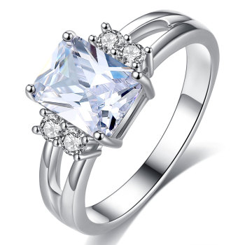 Exquisite Princess Cut Cubic Zirconia Fashion Ring 2