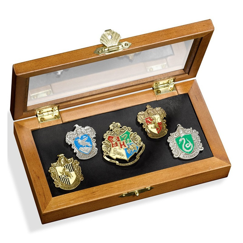 Harri Potter Toy Badge Hogwart School Badge Breastpin Huffle Puff Badge With Wooden Box For Collection