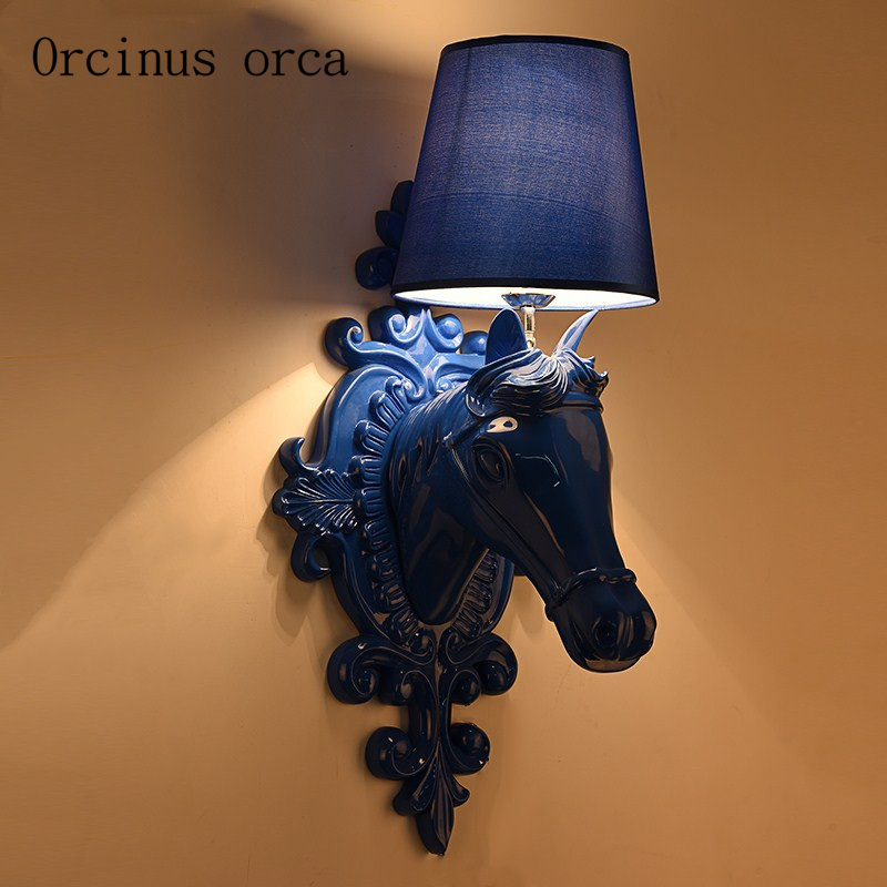 European resin horse head wall lamp living room bedroom aisle bar modern minimalist creative bedside wall lamp free shipping