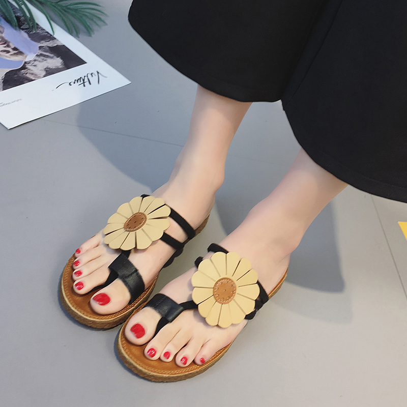 63d95da34dbab 2018 New Sunflower Design Women Flip Flops Summer Flat Slippers Comfortable  Slides Outside Beach Sandals Women Shoes-in Slippers from Shoes on ...