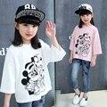 Новая детская одежда для девочек осень мультфильм рукав большие девственные сплошной цвет хлопка вокруг шеи Футболку дна рубашки детей
