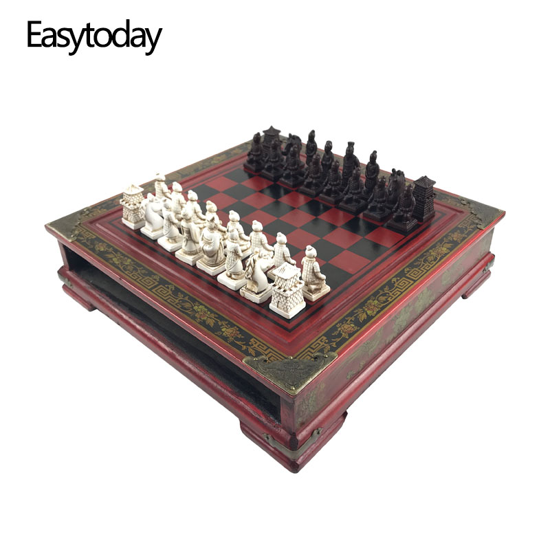 Easytoday Wooden Chess Game Set Resin Character Modeling Chess Pieces Chinese Retro Terracotta Warriors Wooden Chessboard Gift все цены